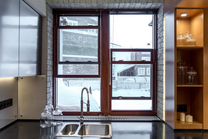 Американские сдвижные окна на кухне